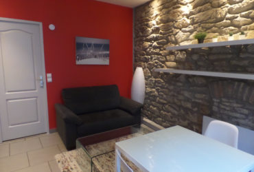 A LOUER BREST SAINT MICHEL APPARTEMENT T1 BIS MEUBLE 28.52 m²  JARDIN PRIVATIF