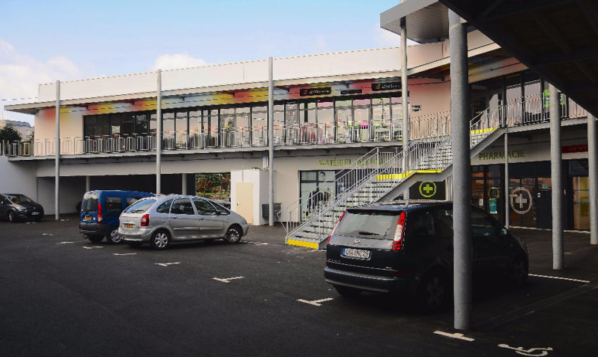 LOCAL COMMERCIAL LESNEVEN A VENDRE - 12130