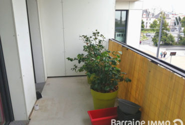 LOCATION BREST PLACE DE STRASBOURG APPARTEMENT T2 DE 44.72 M²   ASCENSEUR  IMMEUBLE BBC PARKING   JARDIN PRIVATIF ARBORE